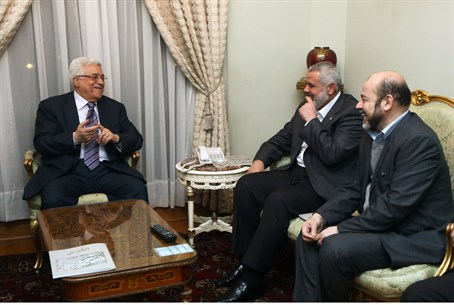 Abbas meets Hamas leaders (2012)