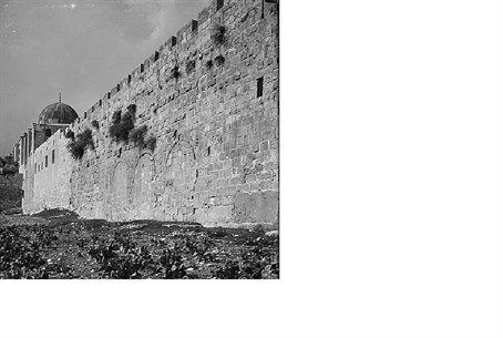 Gates Of The Old City Of Jerusalem A Century Ago Israel