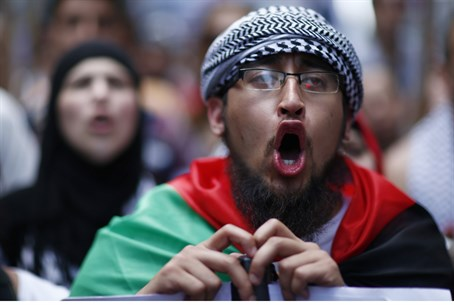 Muslim anti-Semitic protest in Europe (file)