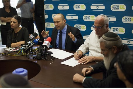 Bennett with senior Jewish Home party MKs (file)