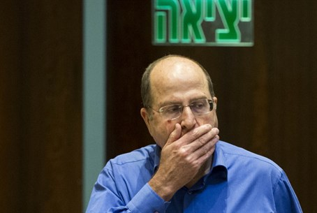 Moshe Ya'alon at the exit?
