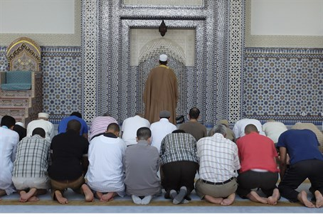 Muslims praying (illustrative)