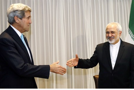 Kerry and Zarif before a meeting in Geneva