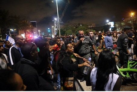 Ethiopian Jews protest in Tel Aviv