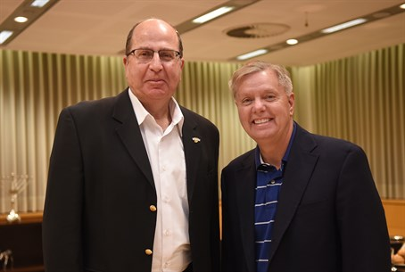 Defense Minister Moshe Ya'alon and Senator Lindsey Graham