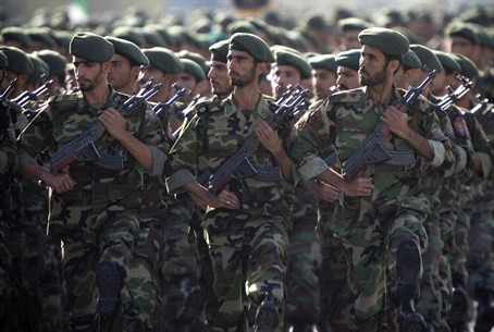 Iranian Revolutionary Guards (file)