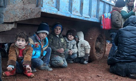 Child refugees fleeing ISIS in Syria (file(
