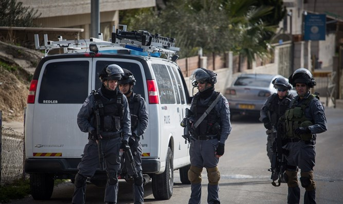Police in eastern Jerusalem (illustrative)