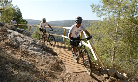 Talmonim Bicycle track, West Binyamin