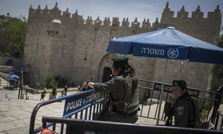 Damascus Gate Passover 2016