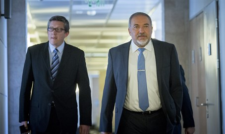 Avigdor Liberman arrives for coalition talks with Likud