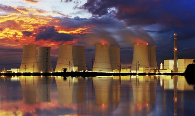 Nuclear power plant (illustration)