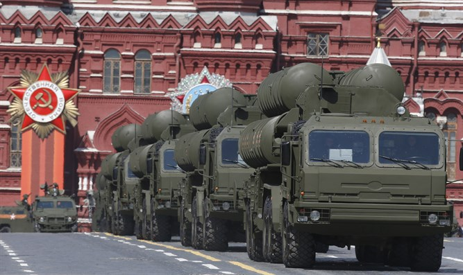 Russian S-400 'Growler' anti-missile systems