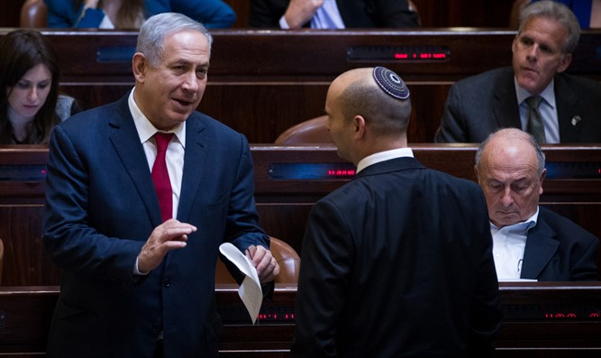 Netanyahu and Bennett at Knesset session