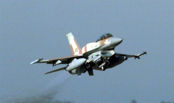 IAF F-16 fighter jet (archive)