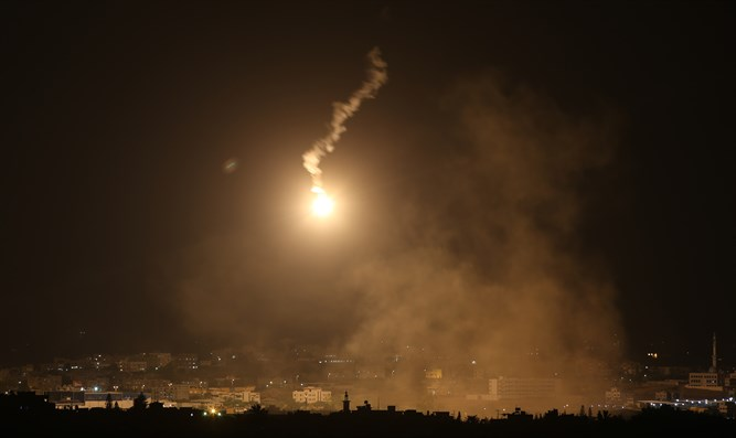 Rocket strikes Negev