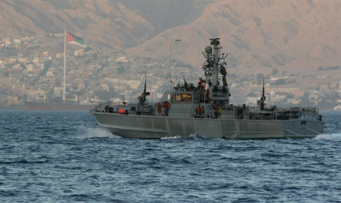 IDF warship patrols in Red Sea