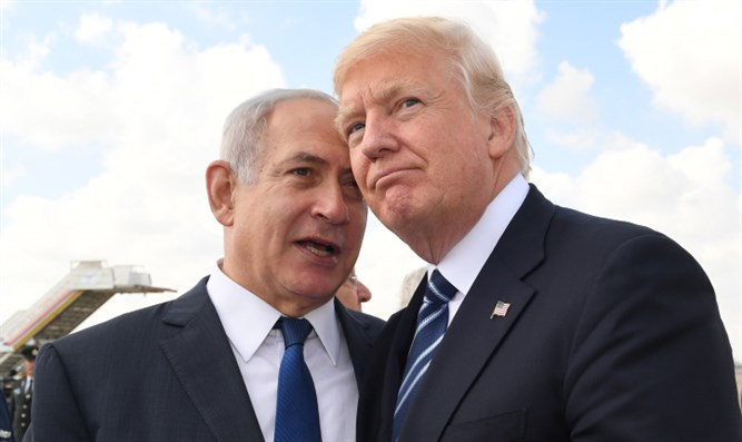 Binyamin Netanyahu meets with Donald Trump at Ben Gurion Airport