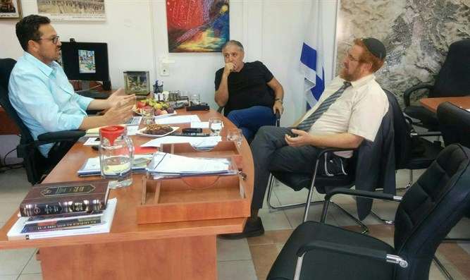 MK Glick in Arad meeting