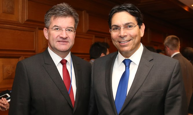 Ambassador Danon and President of the General Assembly Miroslav Lajčák.