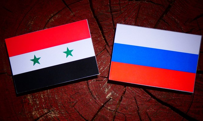 Flags of Syria and Russia