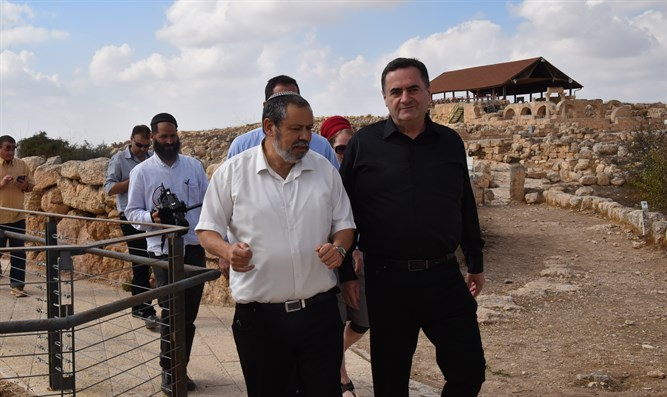Minister Katz at Susiya