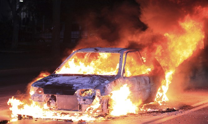 Burning car (illustrative)