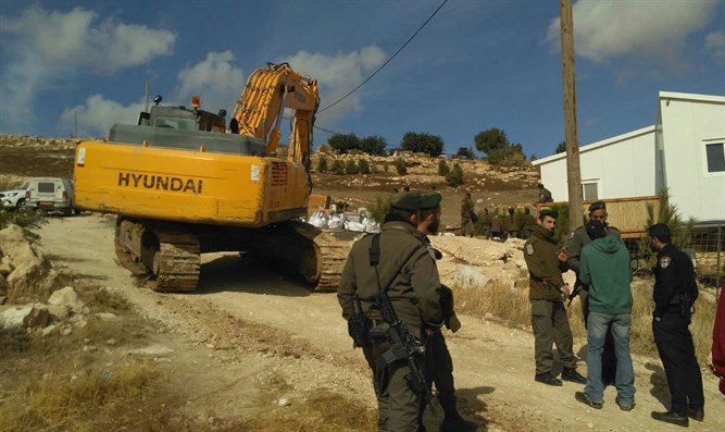 Demolitions in Neveh Erez
