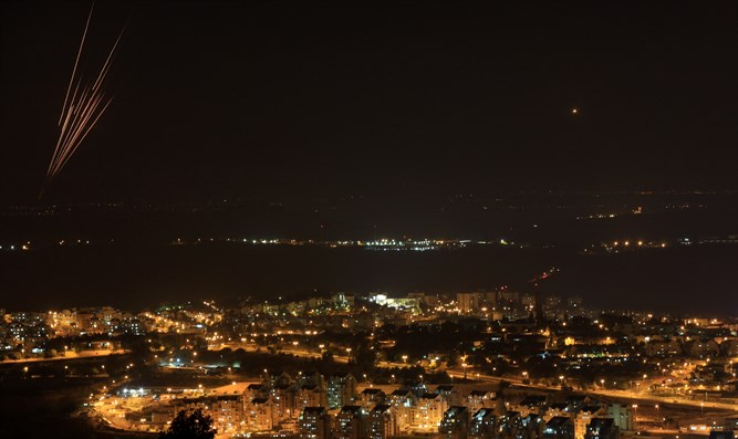 Rockets from Gaza seen over central Israel (archive)