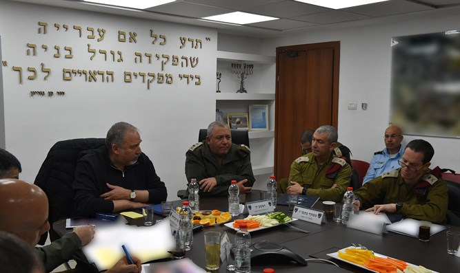 Liberman and Eizenkot in Hevron