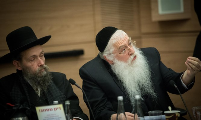 Dep. Education Minister Meir Porush (r) addresses Knesset committee hearing
