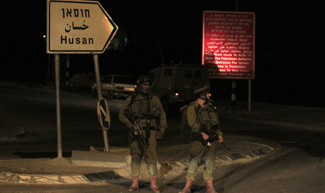 IDF soldiers deployed at entrance to Husan