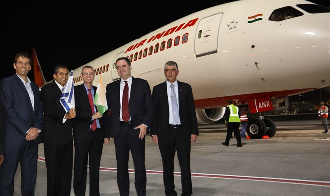 Air India flight welcomed at Ben-Gurion Airport