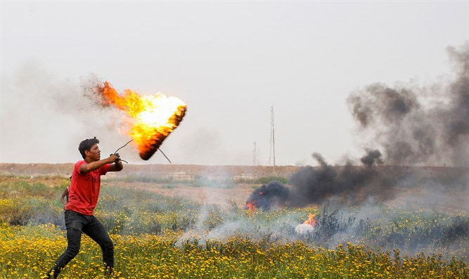 Targeting IDF soldiers at Gaza border