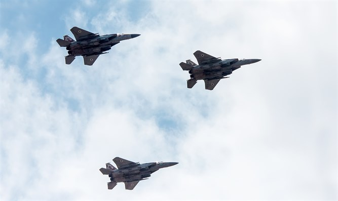 Watch: Two Israeli Air Force F-15 'Baz' dogfight over Tel Aviv