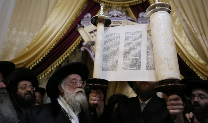 Torah scroll in Meah Shearim