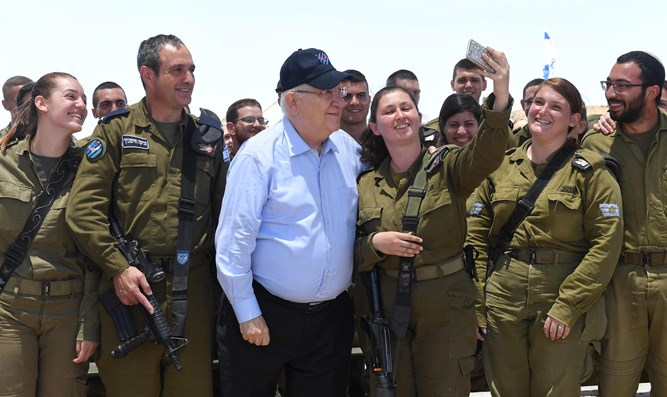 Reuven Rivlin visits Iron Dome battery