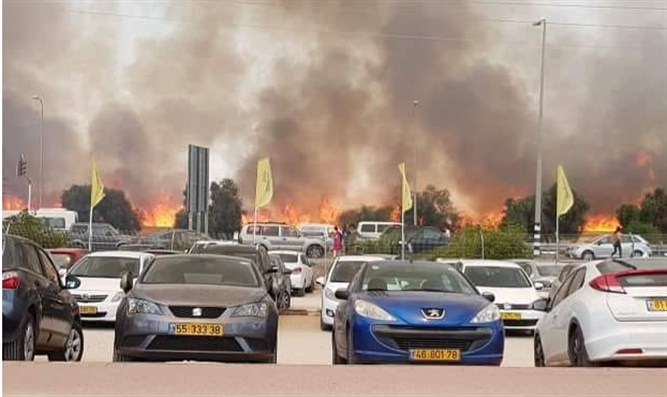 Fire in Sderot, east of Gaza Strip