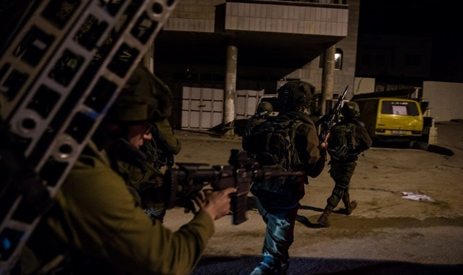 IDF forces in Shechem