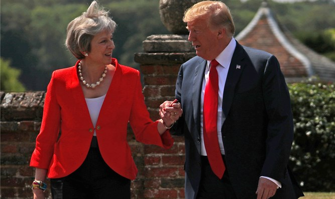 Theresa May meets Donald Trump