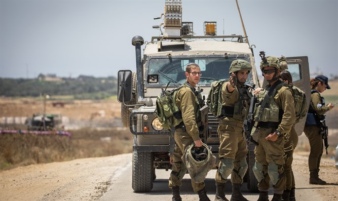 IDF soldiers near Gaza border