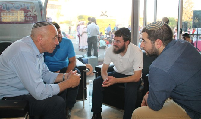 ogev with some of the representatives in Nazareth Illit