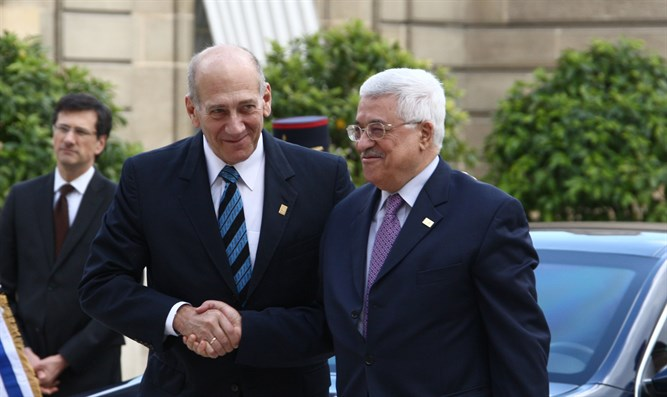 Olmert and Abbas in meeting about a decade ago