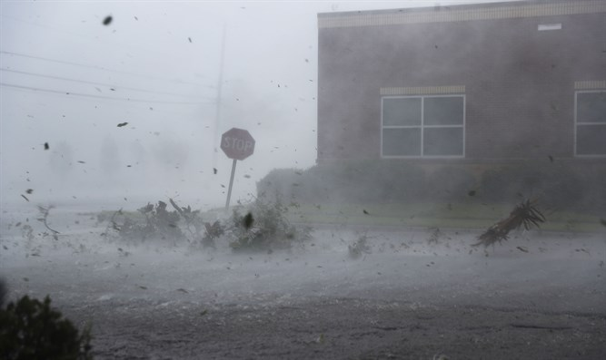 Hurricane Michael hits land in Panama City, Fla.