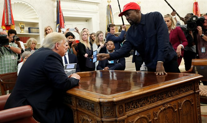 Kanye West meets Donald Trump in the White House