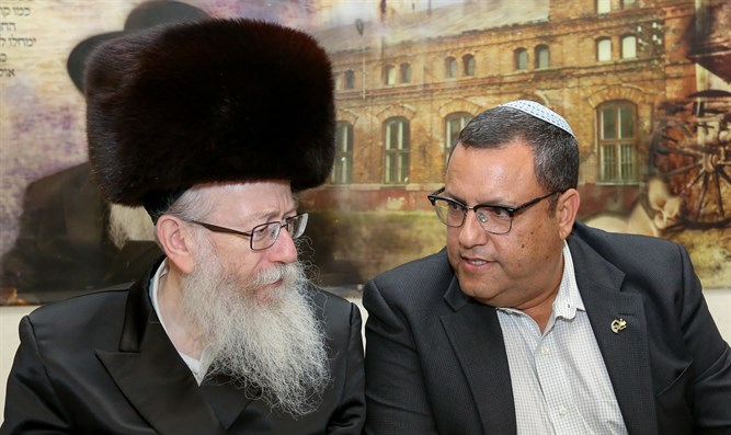 Moshe Leon hosted by Health Minister Yaakov Litzman