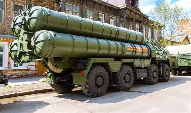 Russian anti-aircraft missile system S-300