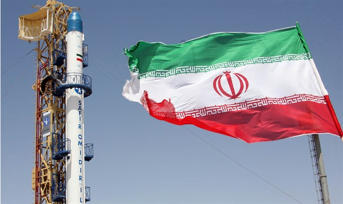 Safir satellite-carrier rocket for carrying Iran's Omid Satellite