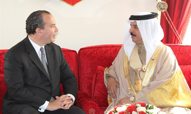 Rabbi Schneier with King Hamad