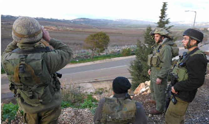 Soldiers at the Israeli - Lebanese border